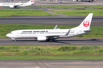 JA337J - JAL - Japan Airlines Boeing 737-800