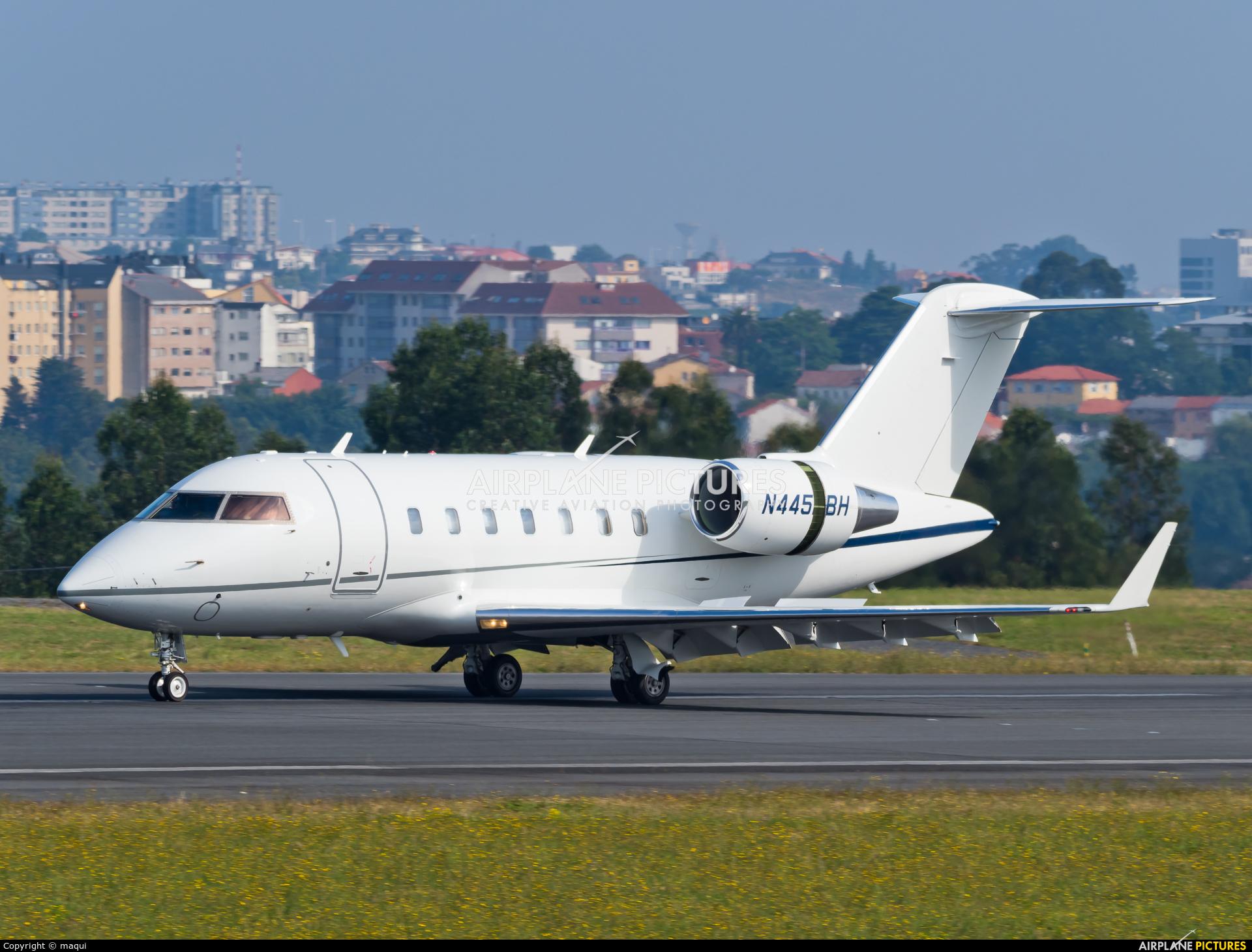 Private N445BH aircraft at La Coruña