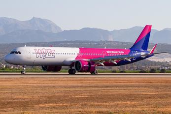 HA-LVZ - Wizz Air Airbus A321