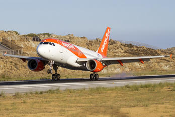 OE-LQA - easyJet Europe Airbus A319