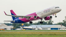 Wizz Air HA-LXW image