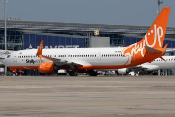 UR-SQK - SkyUp Airlines Boeing 737-900ER