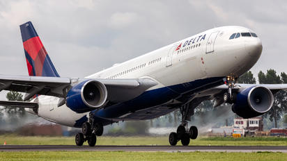N856NW - Delta Air Lines Airbus A330-200