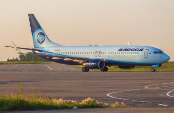 EI-ECM - Alrosa Boeing 737-800