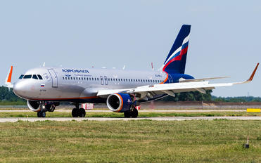 VQ-BSJ - Aeroflot Airbus A320