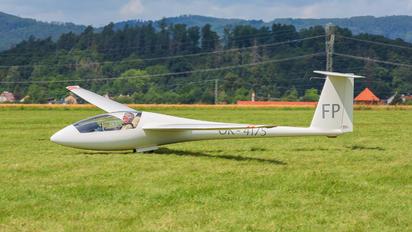 OK-4157 - Aeroklub Luhačovice Rolladen-Schneider LS4