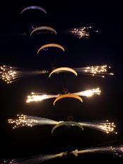 - - Flying Dragons Team Parachute Parachutist