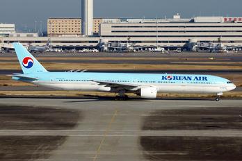 HL7532 - Korean Air Boeing 777-300