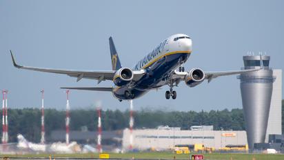 SP-RKG - Ryanair Sun Boeing 737-800