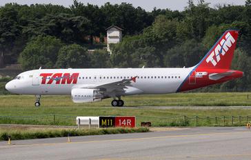 F-WWIR - TAM Airbus A320