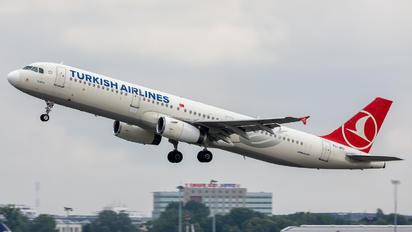 TC-JRU - Turkish Airlines Airbus A321