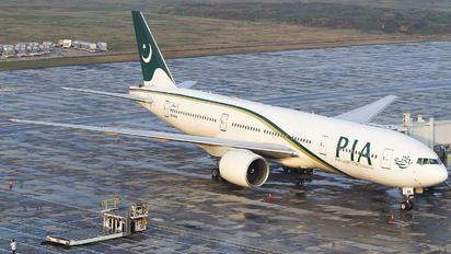 AP-BGK - PIA - Pakistan International Airlines Boeing 777-200ER