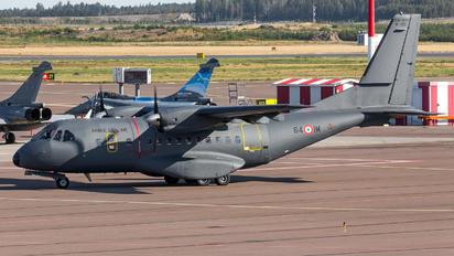 64-IM - France - Air Force Casa CN-235M