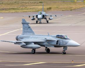 39253 - Sweden - Air Force SAAB JAS 39C Gripen