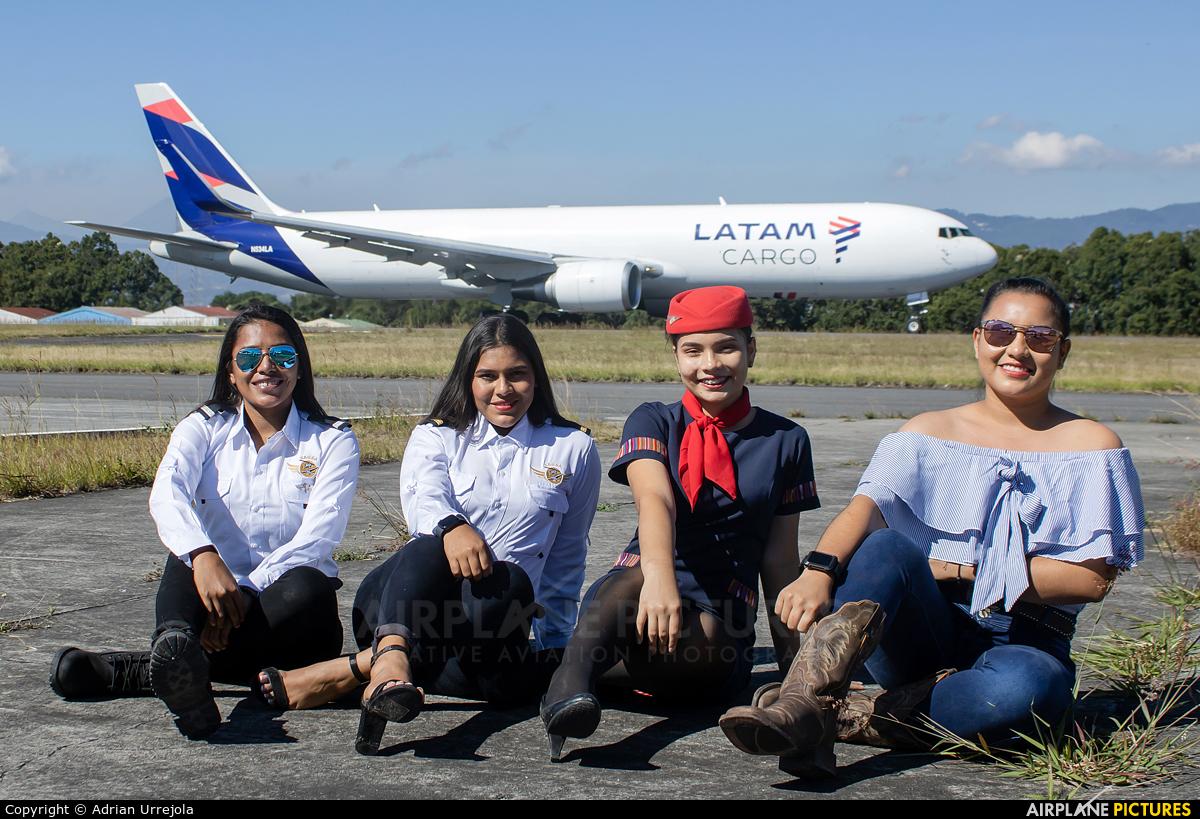 - Aviation Glamour N534LA aircraft at Guatemala - La Aurora