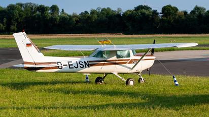D-EJSN - Private Cessna 152