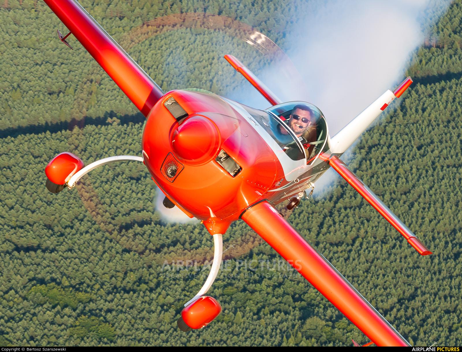 Firebirds Aerobatic Team SP-TLB aircraft at Piotrków Trybunalski