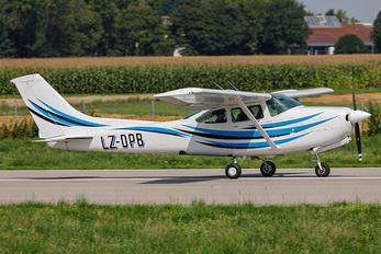 LZ-DPB - Private Cessna 182 Skylane RG