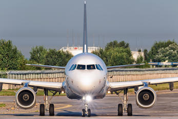 D-AIDJ - Lufthansa Airbus A321