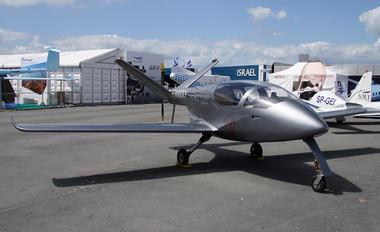 F-WWXY - ATE Aviation Universal Composite Aviation Carbon Bird 200