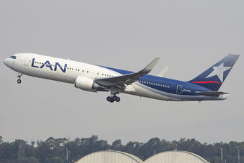 CC-CZU - LAN Airlines Boeing 767-300ER