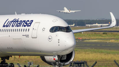 D-AIXQ - Lufthansa Airbus A350-900