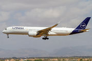 First visit of Lufthansa Airbus A350 to Palma de Mallorca title=