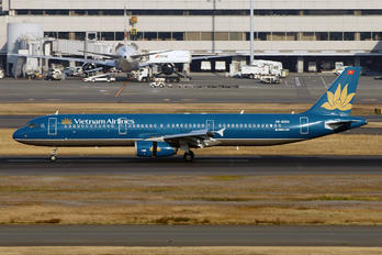 VN-A334 - Vietnam Airlines Airbus A321