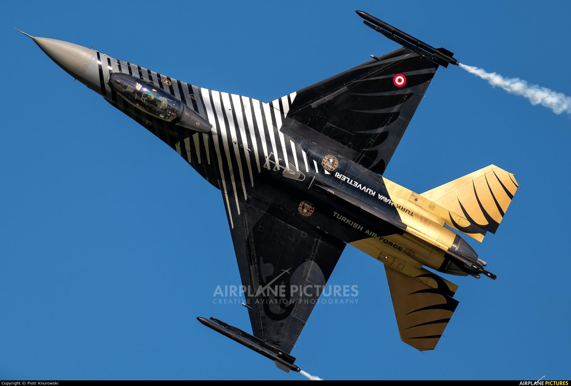 Turkey - Air Force 88-0029 aircraft at Gdynia- Babie Doły (Oksywie)