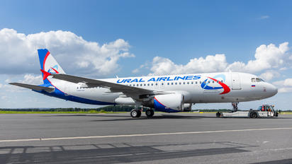 VQ-BAX - Ural Airlines Airbus A320