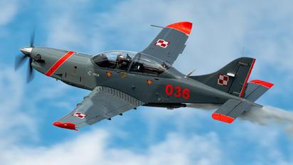 "036 - Poland - Air Force ""Orlik Acrobatic Group"" PZL 130 Orlik TC-1 / 2"