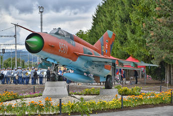 9501 - Slovakia -  Air Force Mikoyan-Gurevich MiG-21MF