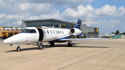 N475LS - Private Learjet 75