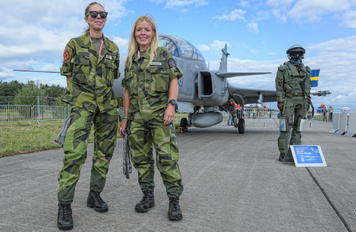 - - Sweden - Air Force - Airport Overview - Military Personnel