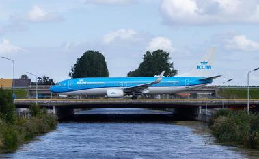 PH-BCH - KLM Boeing 737-800