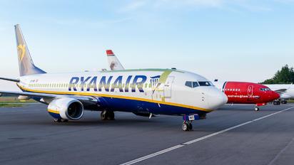OE-IWB - Ryanair Boeing 737-8AS