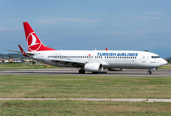 TC-JZF - Turkish Airlines Boeing 737-800