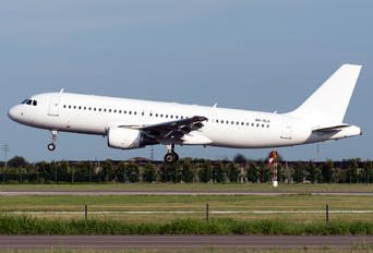 9H-SLD - SmartLynx Airbus A320