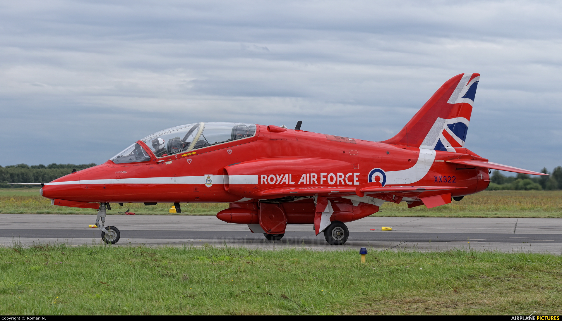 "Royal Air Force ""Red Arrows"" XX322 aircraft at Gdynia- Babie Doły (Oksywie)"