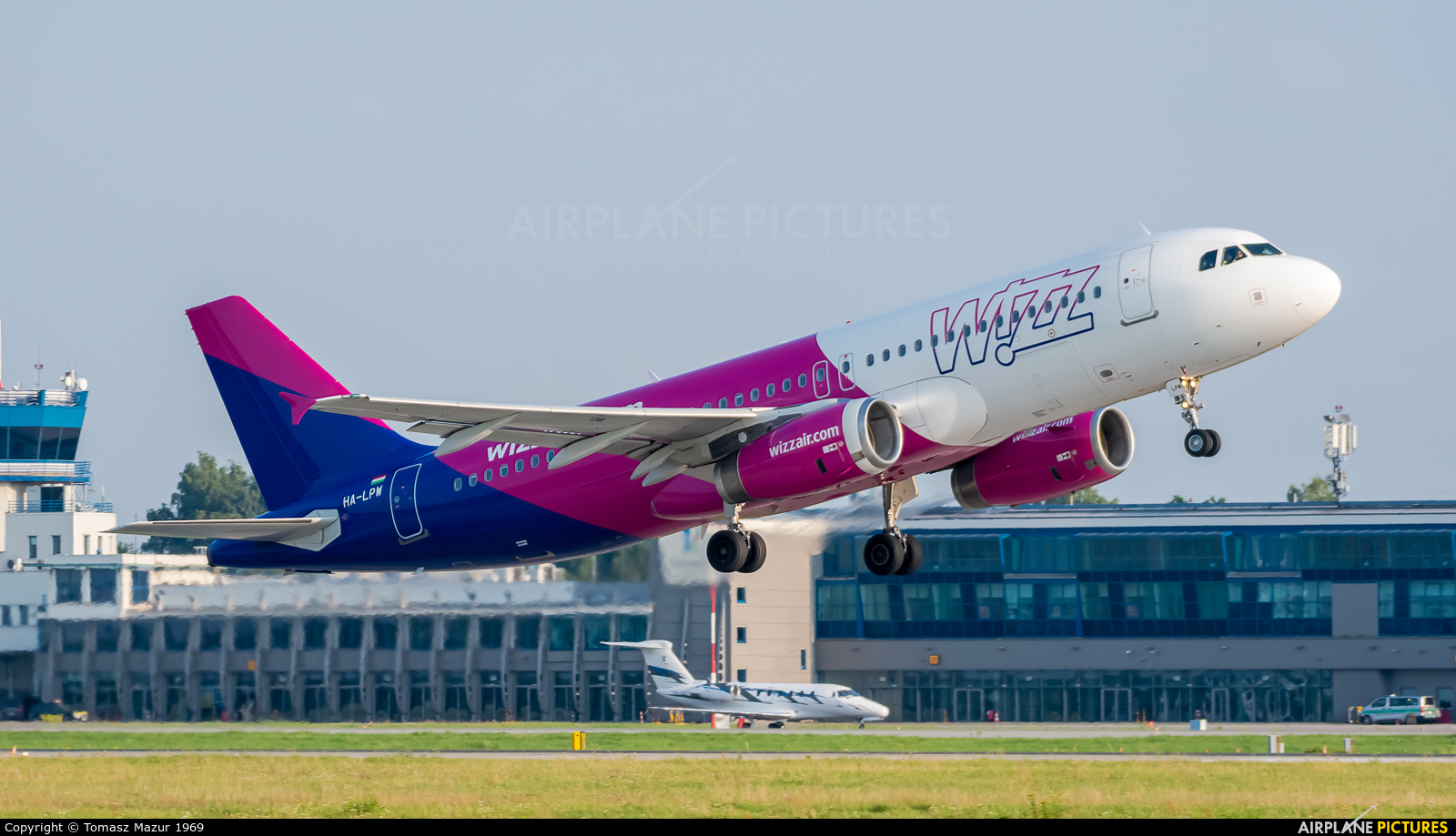 Wizz Air HA-LPW aircraft at Katowice - Pyrzowice