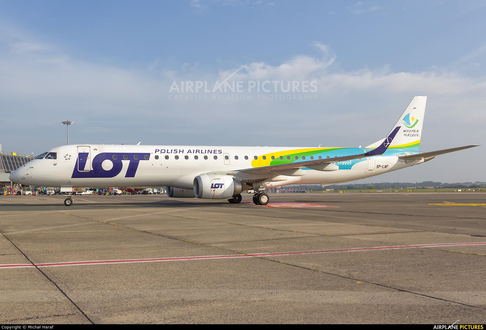 LOT - Polish Airlines SP-LNF aircraft at Dublin