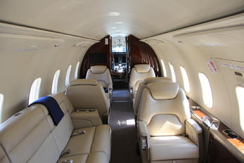 CS-CHE - NetJets Europe (Portugal) Bombardier BD-100 Challenger 350 series