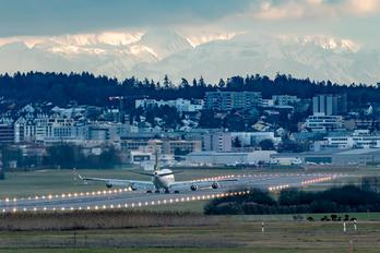 TC-ACF - - Airport Overview - Airport Overview - Runway, Taxiway