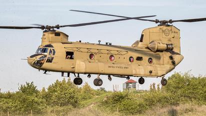 13-08134 - USA - Army Boeing CH-47F Chinook