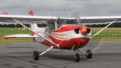 OY-PEV - Starling Air Cessna 172 Skyhawk (all models except RG)