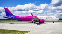Wizz Air HA-LVI image