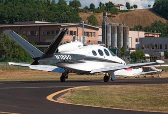 N1860 - Private Cirrus SF50-G2
