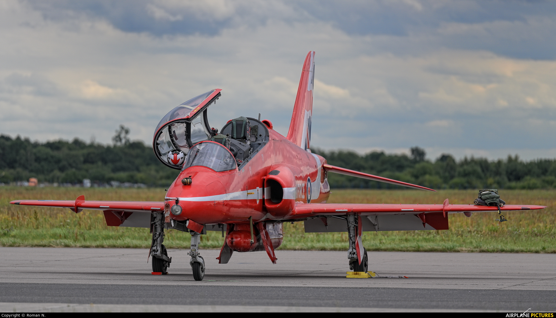 "Royal Air Force ""Red Arrows"" XX242 aircraft at Gdynia- Babie Doły (Oksywie)"