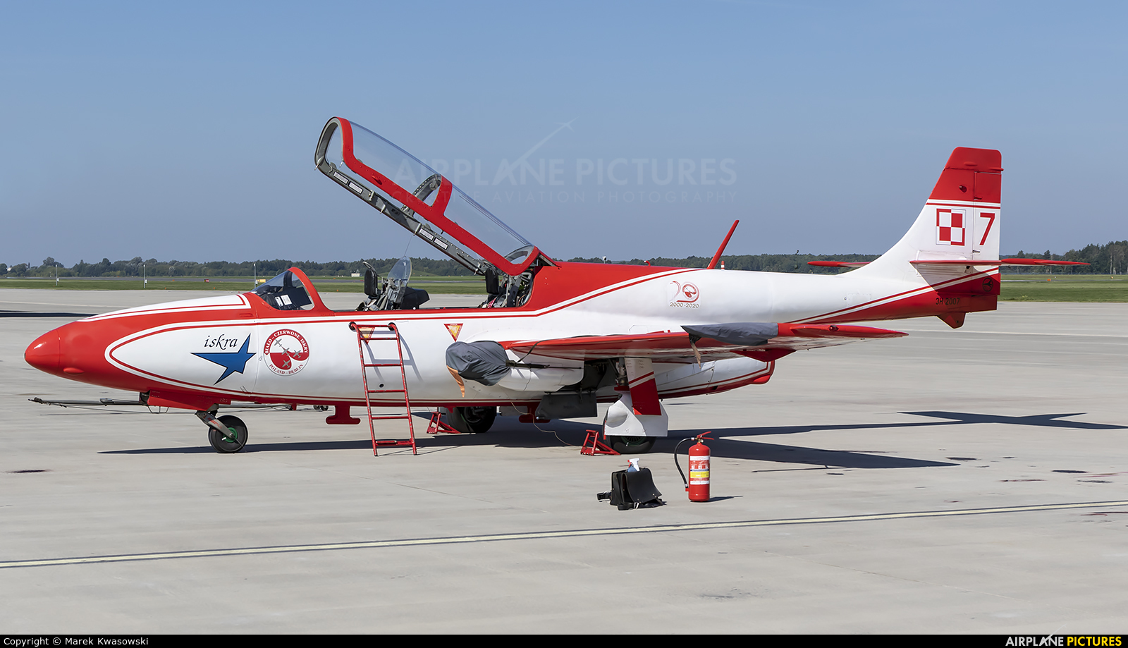 Poland - Air Force: White & Red Iskras 7 aircraft at Dęblin