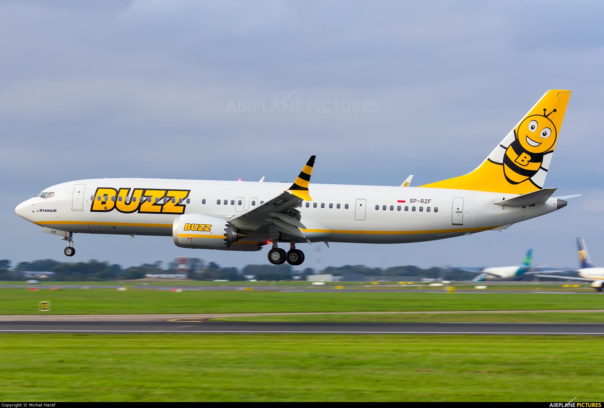 Buzz SP-RZF aircraft at Dublin